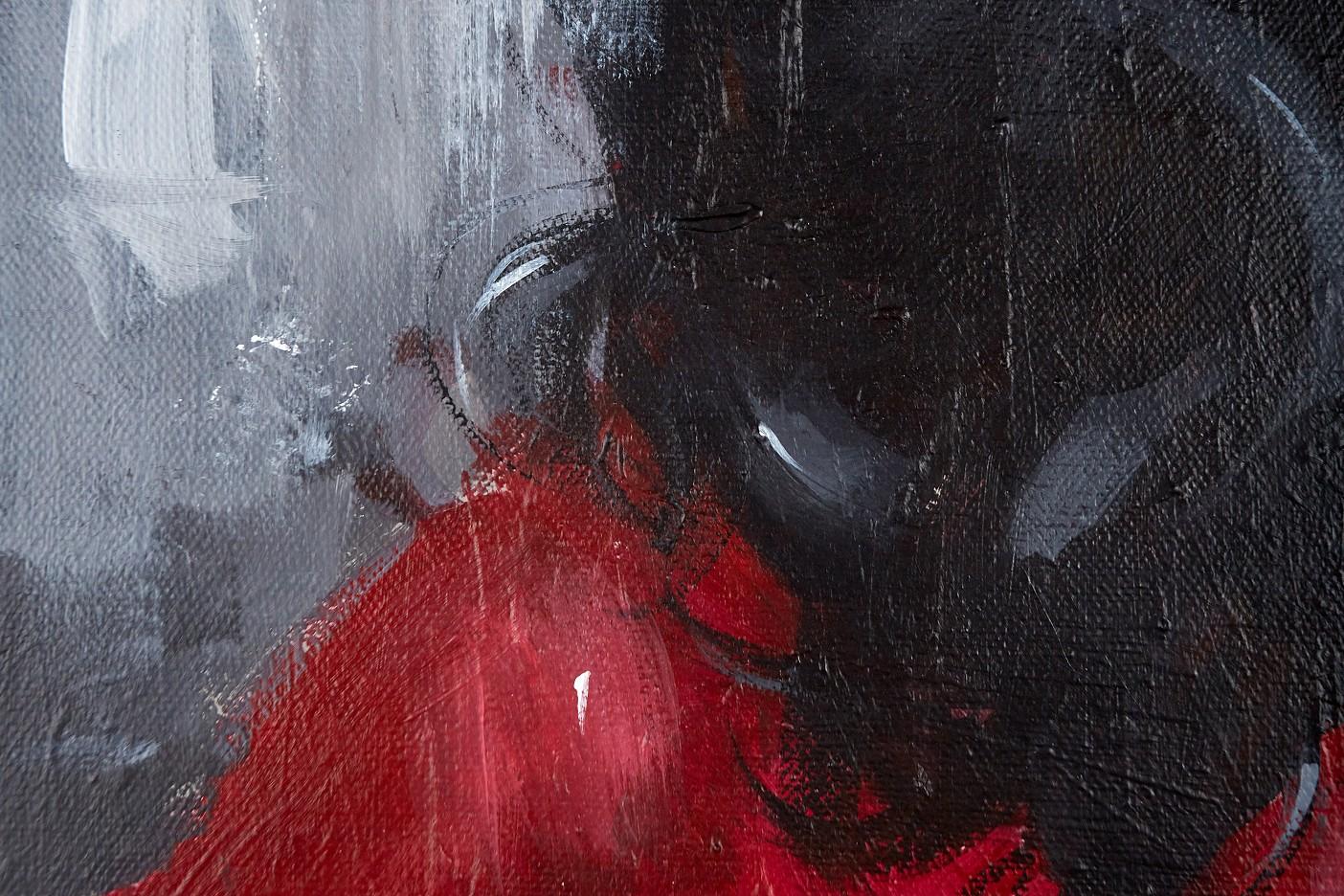 Vamp in black, red, gray